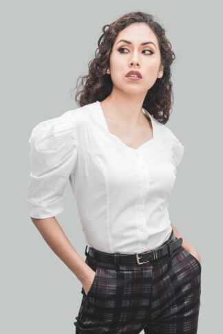 Blusa blanco abullonada